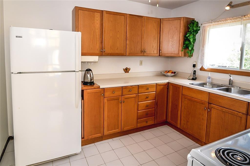 47 SOMERSET Avenue - Kitchen