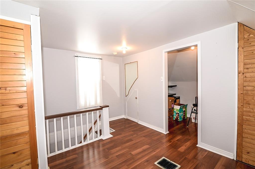 47 SOMERSET Avenue - Loft Sitting Area