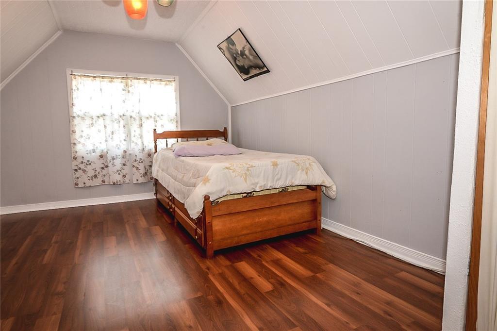 47 SOMERSET Avenue - Loft Bedroom