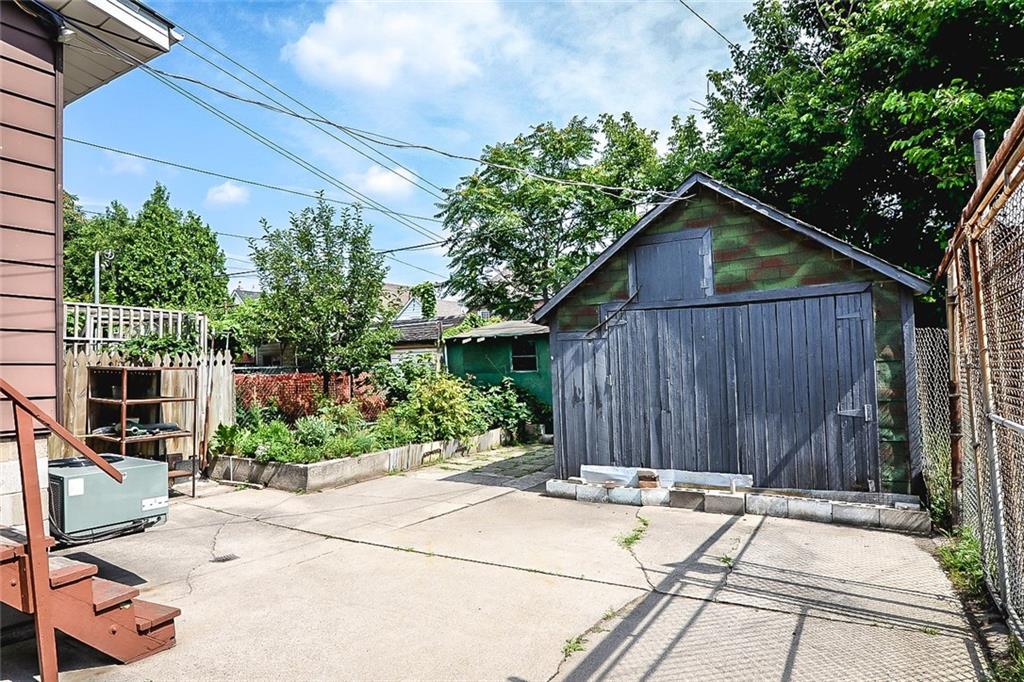 47 SOMERSET Avenue - Garage
