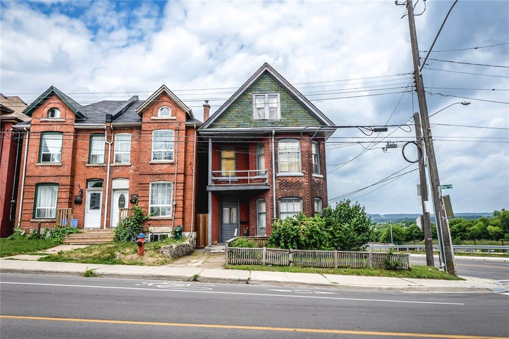 Photo of: MLS# H4034068 301 BAY Street N , Hamilton |ListingID=1175